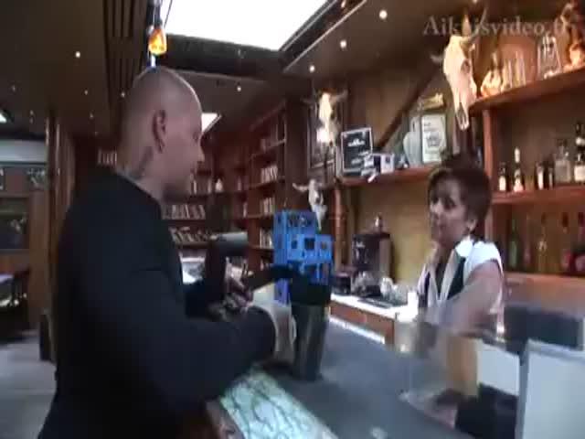 Мамотрахари выебали официантку в ресторане