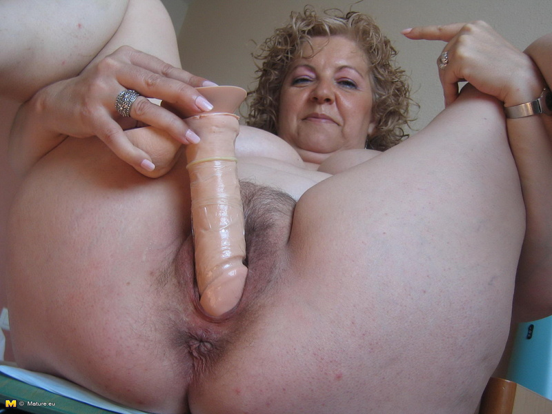 огромный саматык в писи порно фото