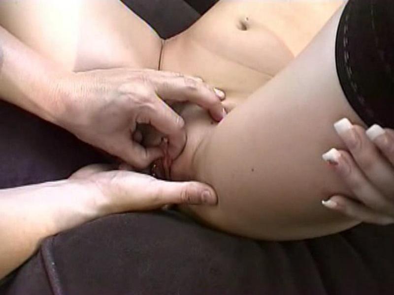 porno-s-yaponkami-zhenshinami-konchayut-vnutr