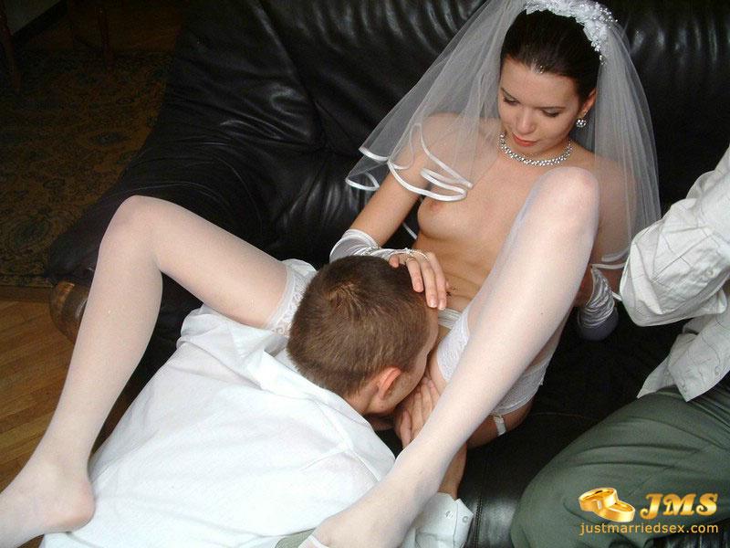 Белым не испортить платьем шлюху