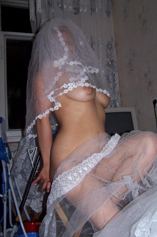Голые девушки фото свадебные
