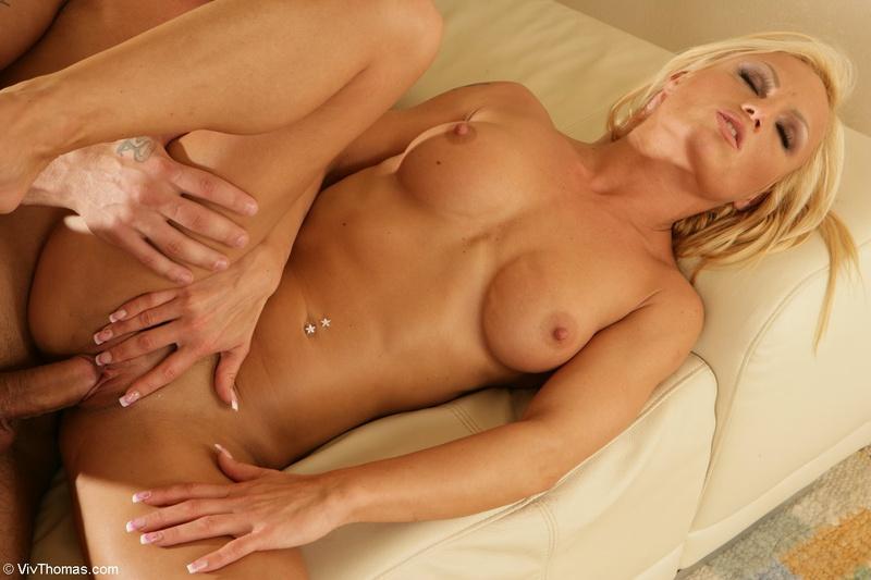 porno-galerei-blondinok