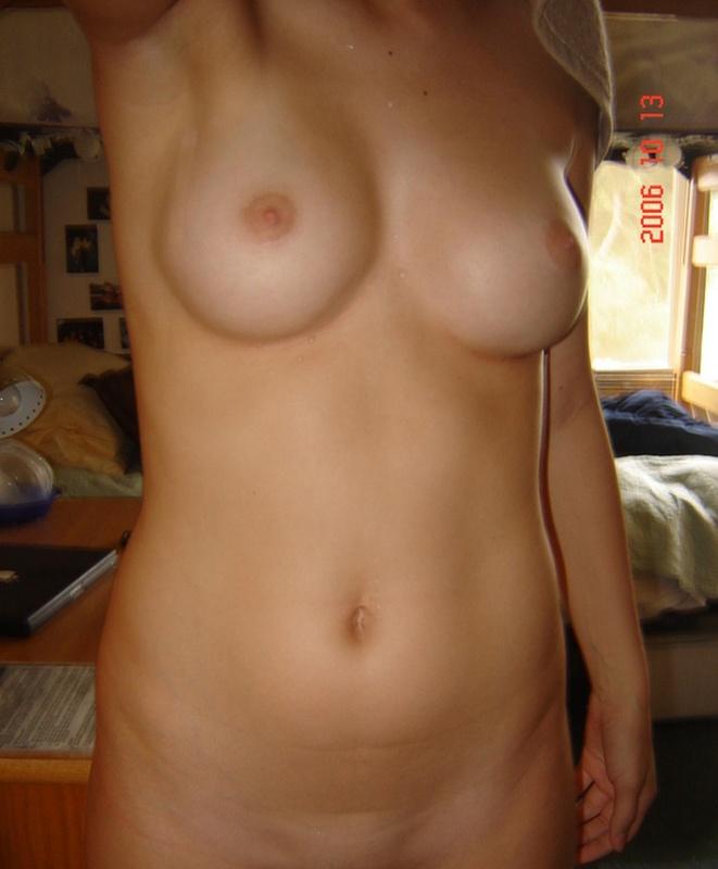 Фото голой груди реальные девушки