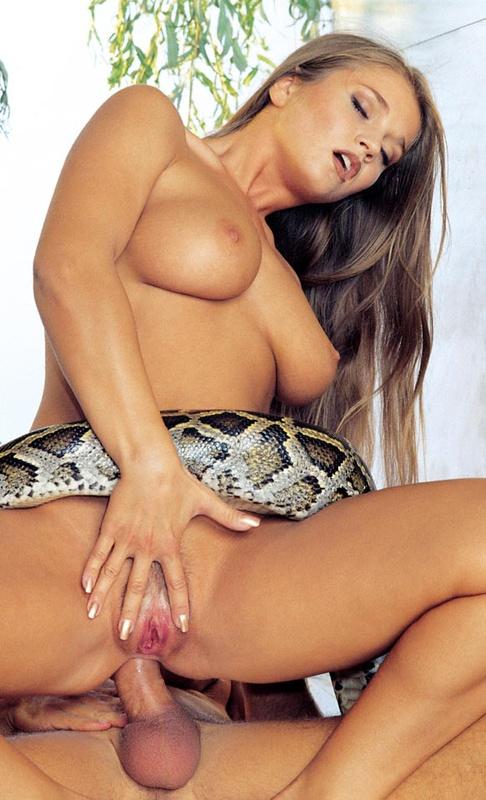 секс со змеями порнофото