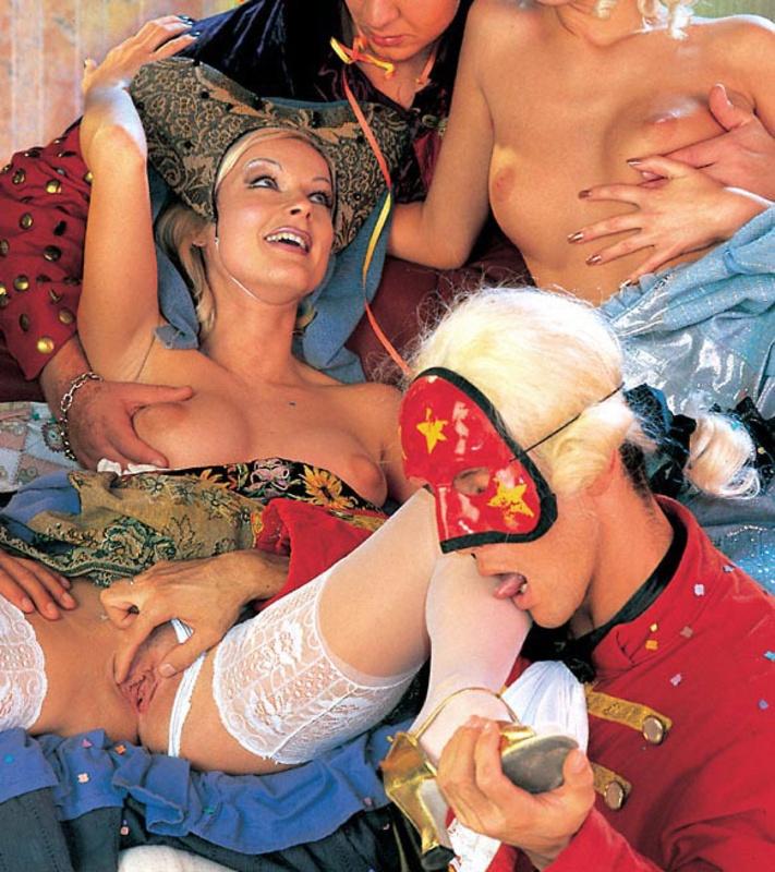 смотреть красивый костюмированный порно фильм