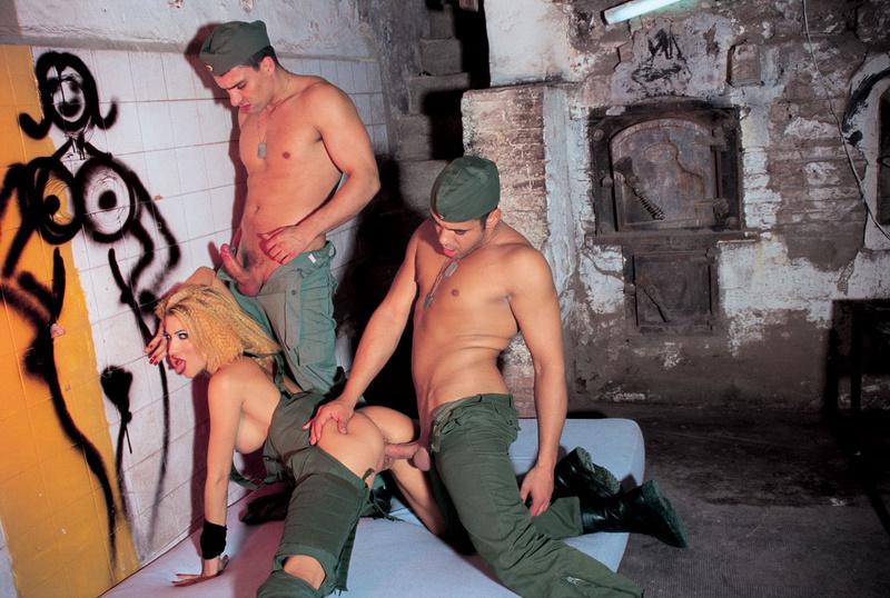 Армию проститутку в
