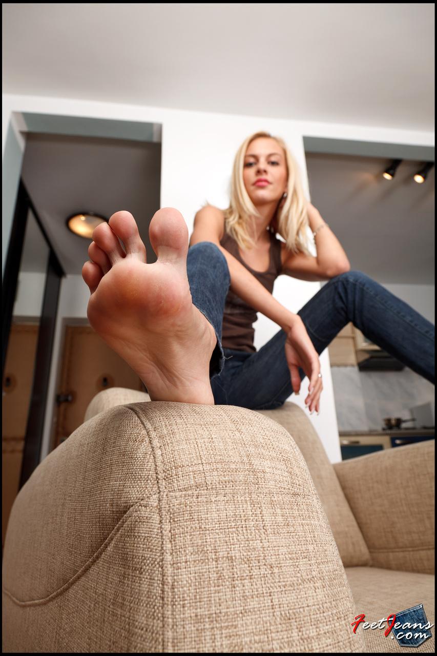 Девушки Покажут Ножки