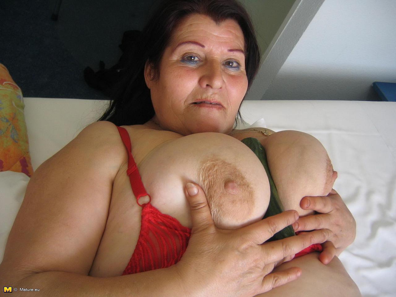 Фото больших грудей жирных баб, Развратные толстухи с огромными дойками и гладкими 11 фотография