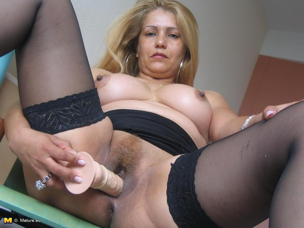 Порно зрелая баба мастурбирует - Онлайн секс для самых отчаянных ...