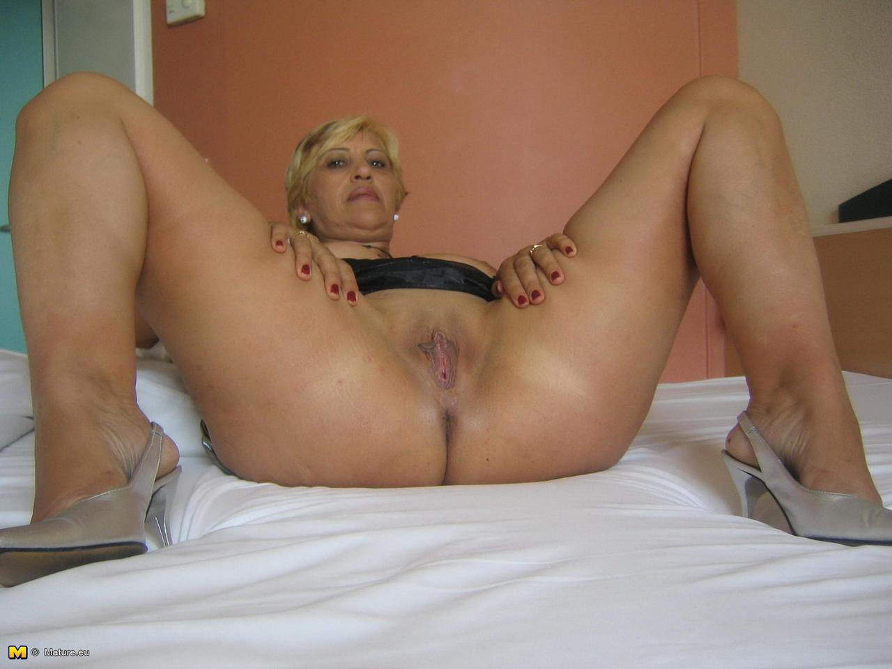Частное фото зрелых женщин за 50 порно фото, Любительские фото голых зрелых женщин и мамок 6 фотография