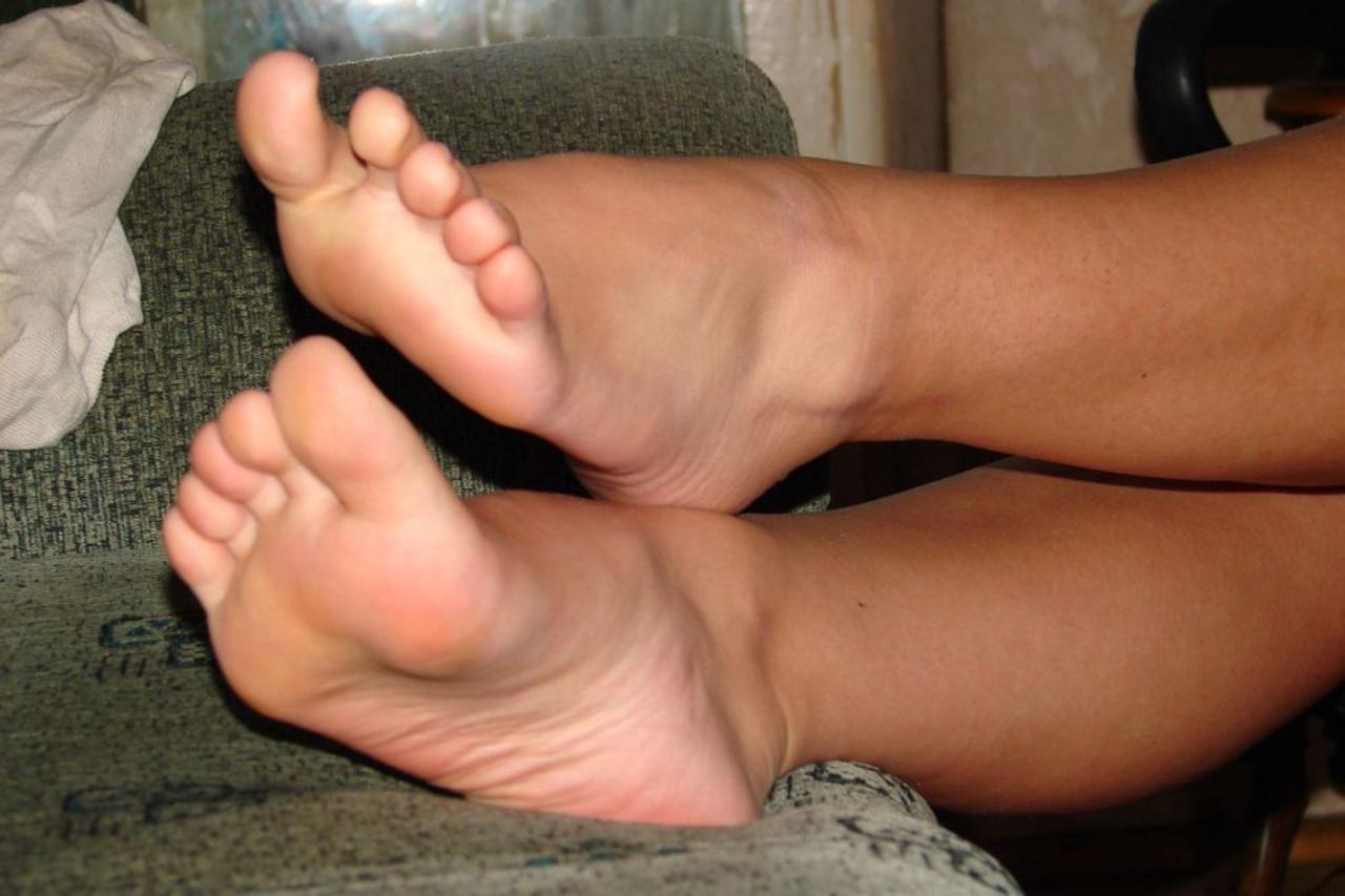Фут фетиш красивые ножки, Извращенский фут фетиш с похотливыми зрелыми 6 фотография