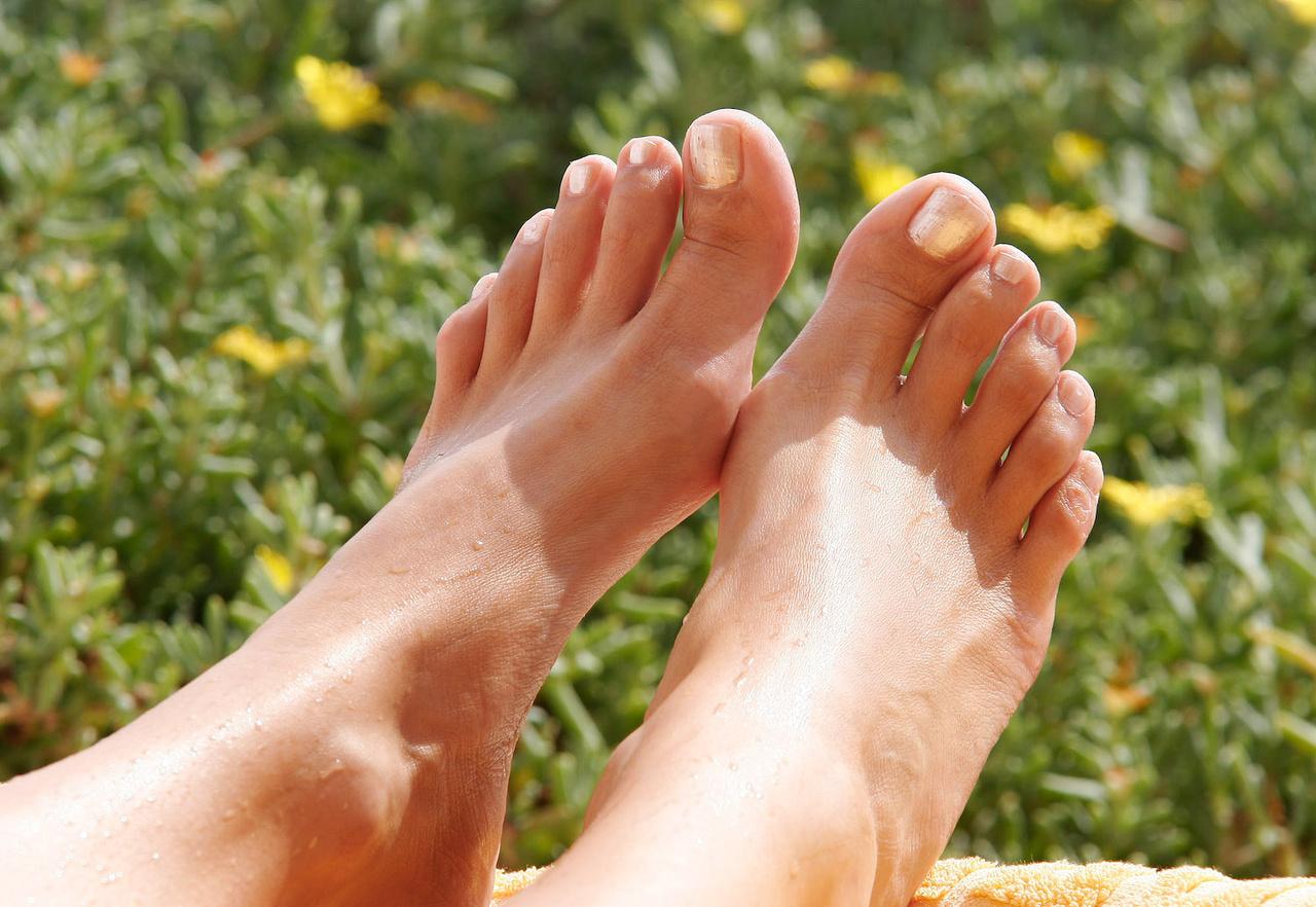 Частные голые ножки, Голые ножки фото - обнаженные ноги девушек 10 фотография