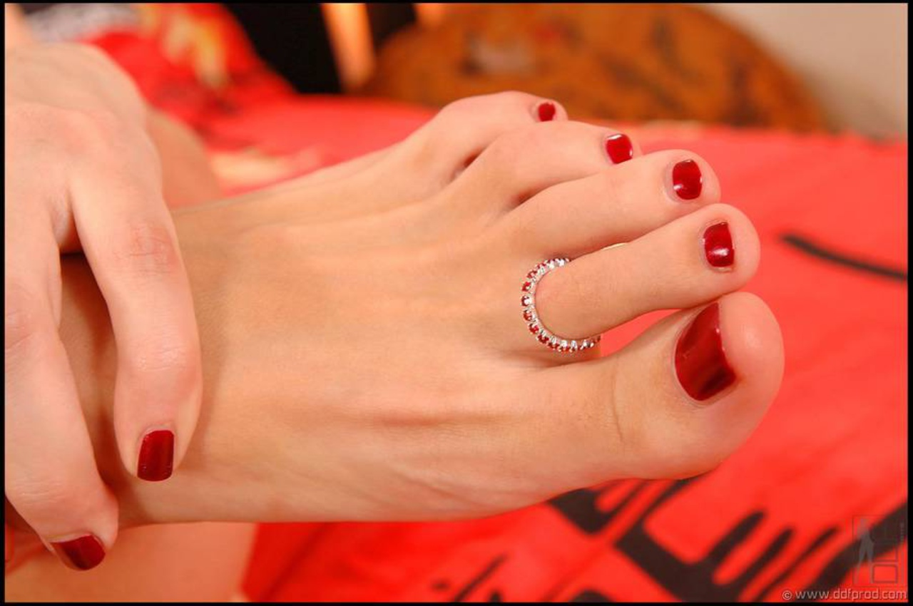 Смотреть фото женских пальчиков ног, Красивые ступни девушек это прекрасно (фото.) 9 фотография