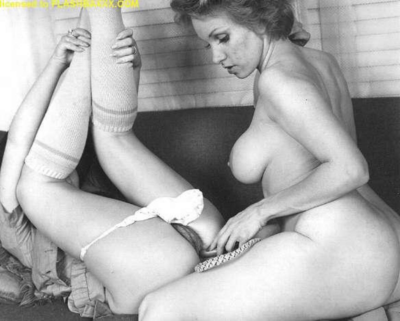 Порно винтажное лесби