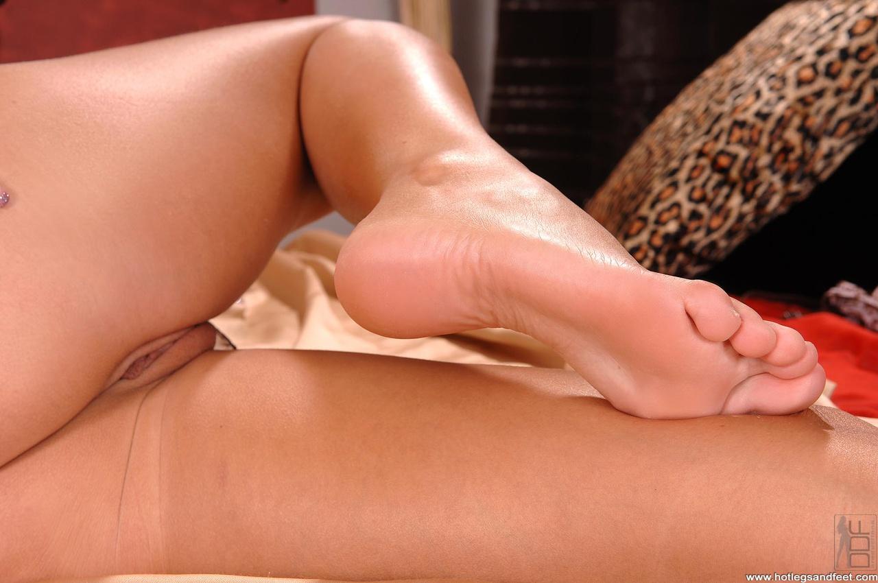 Интим ноги