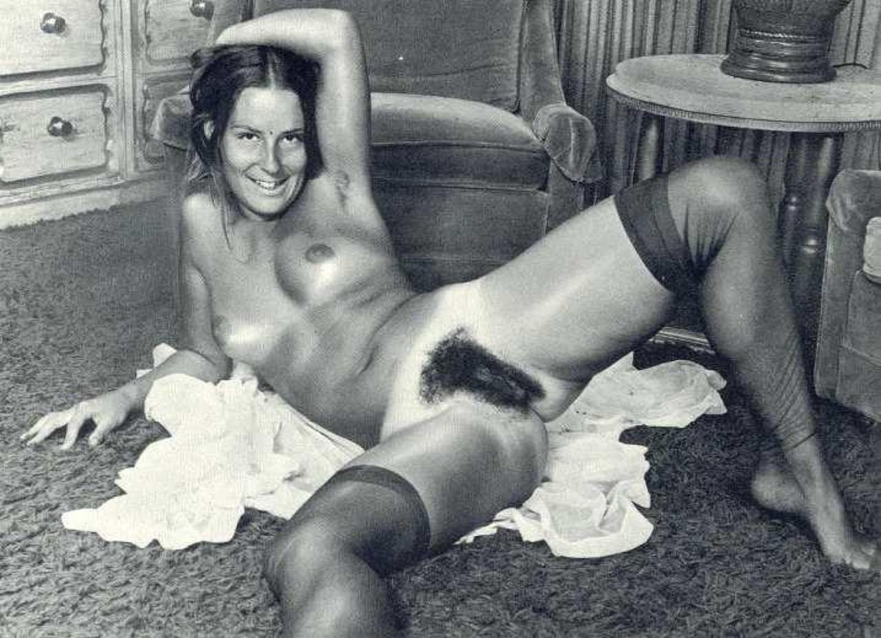 Ретро порно фотографии с двумя белокурыми женщинами