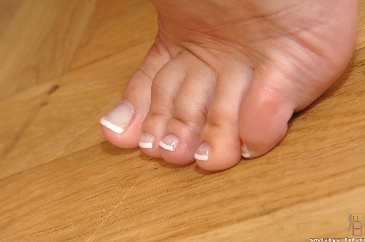 Смотреть фото женских пальчиков ног, Красивые ступни девушек это прекрасно (фото.) 16 фотография