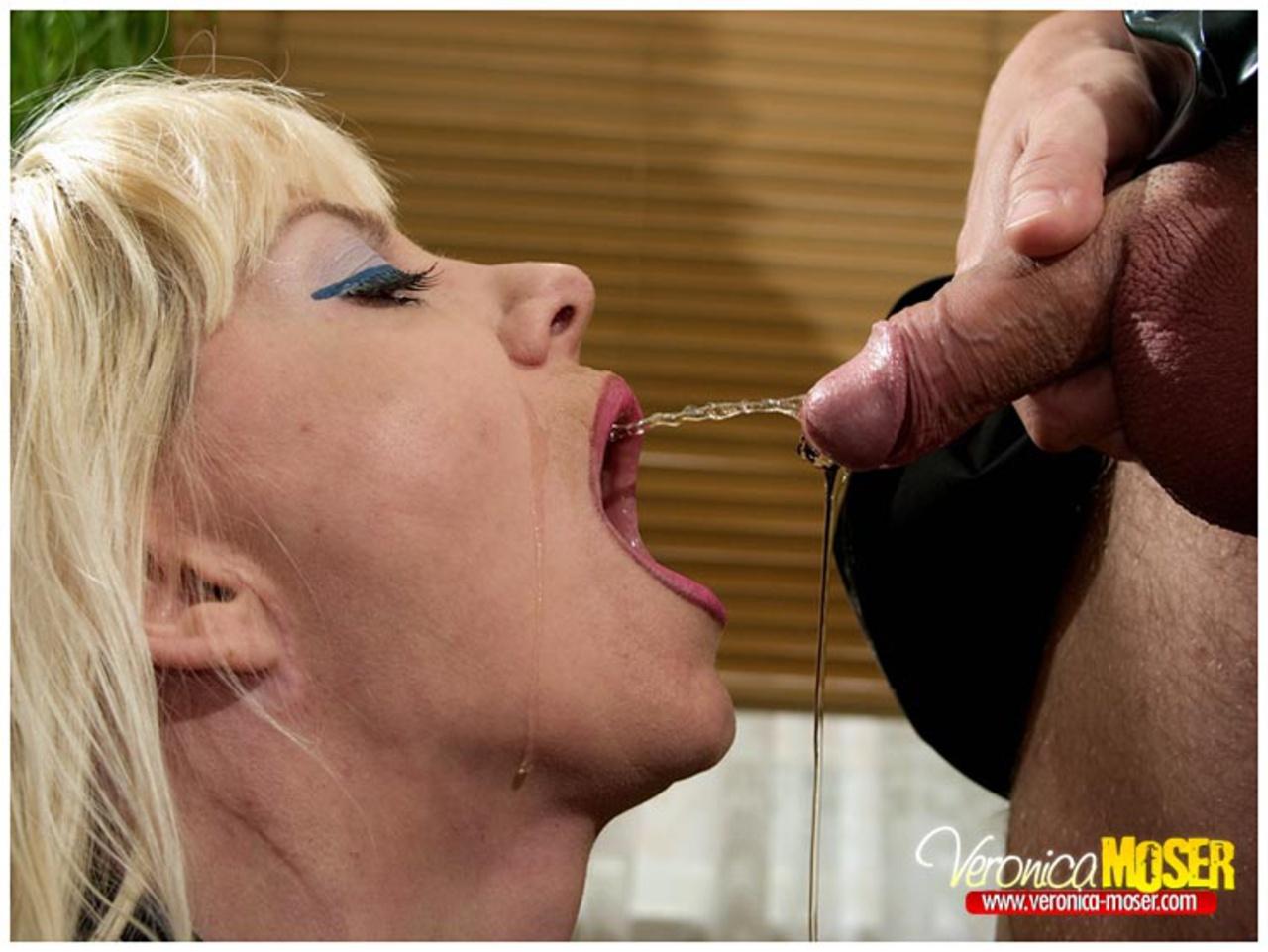 Фото плевки рот, Видеозаписи Spitting или женские плевки ВКонтакте 9 фотография