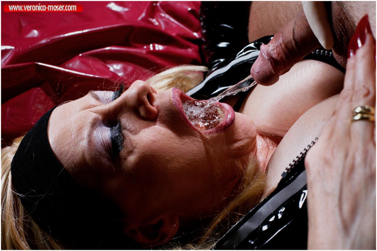 Супер извращение фото, Домашние секс игрушки и извращения в порно фото 10 фотография