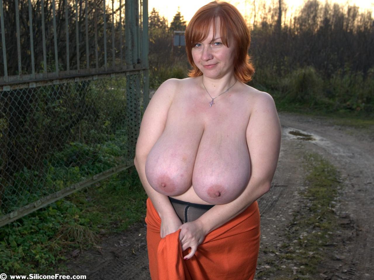 смотреть очень большие титьки русских женщин