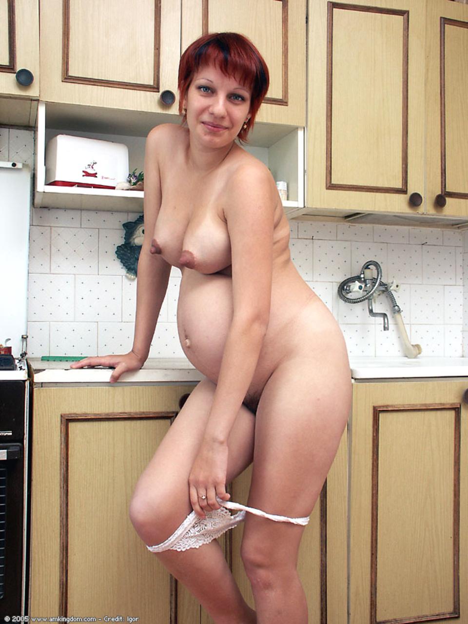 beremennaya-na-kuhne-porno