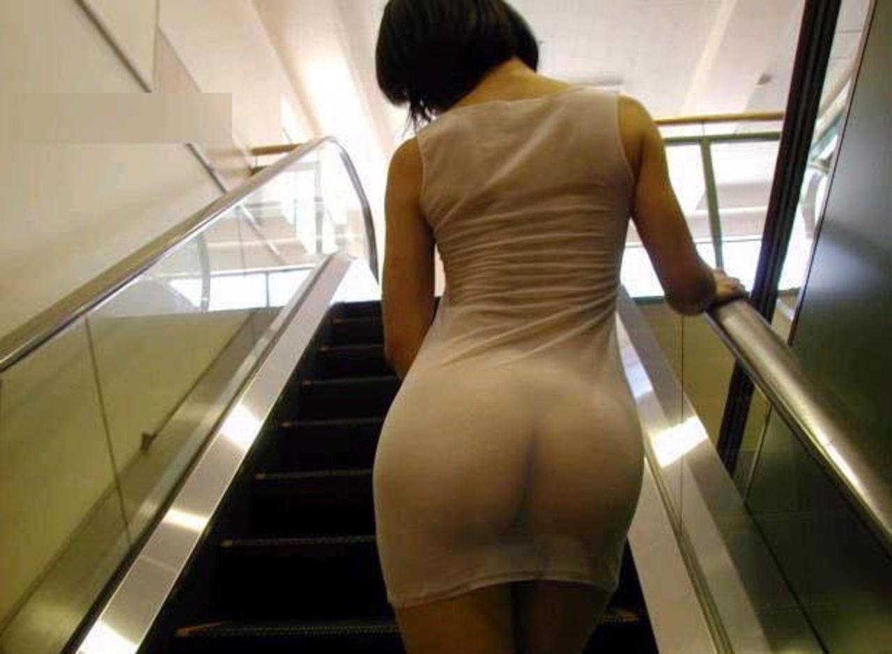 Прозрачные платья интим фото, В платье без трусов Голые красивые девушки 9 фотография