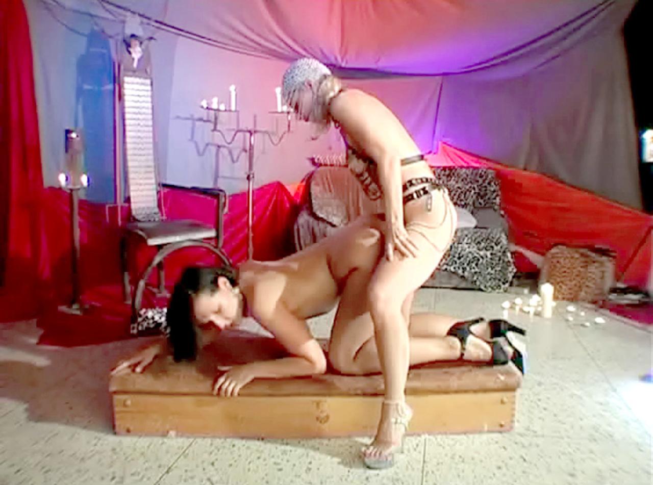 porno-komnata-dlya-seksa