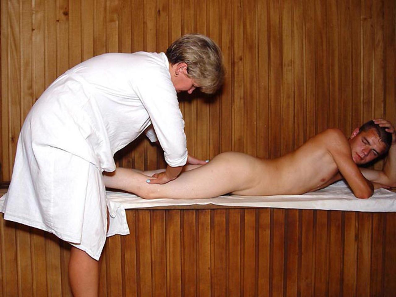 eroticheskiy-massazh-sauna