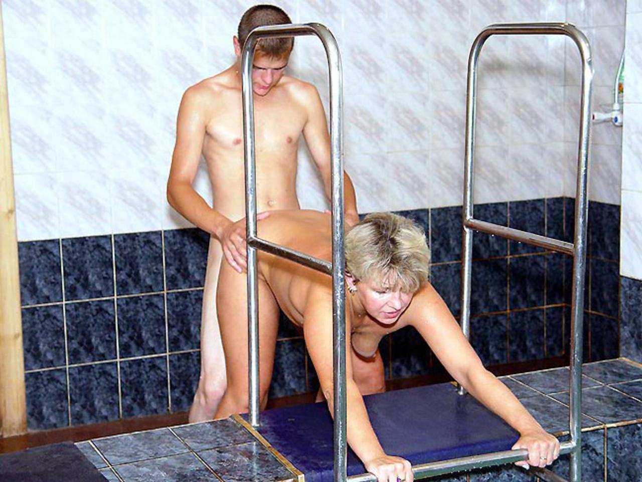 Ретро подглядеть в бане, Порно коллекция Ретро баня Популярные 5 фотография