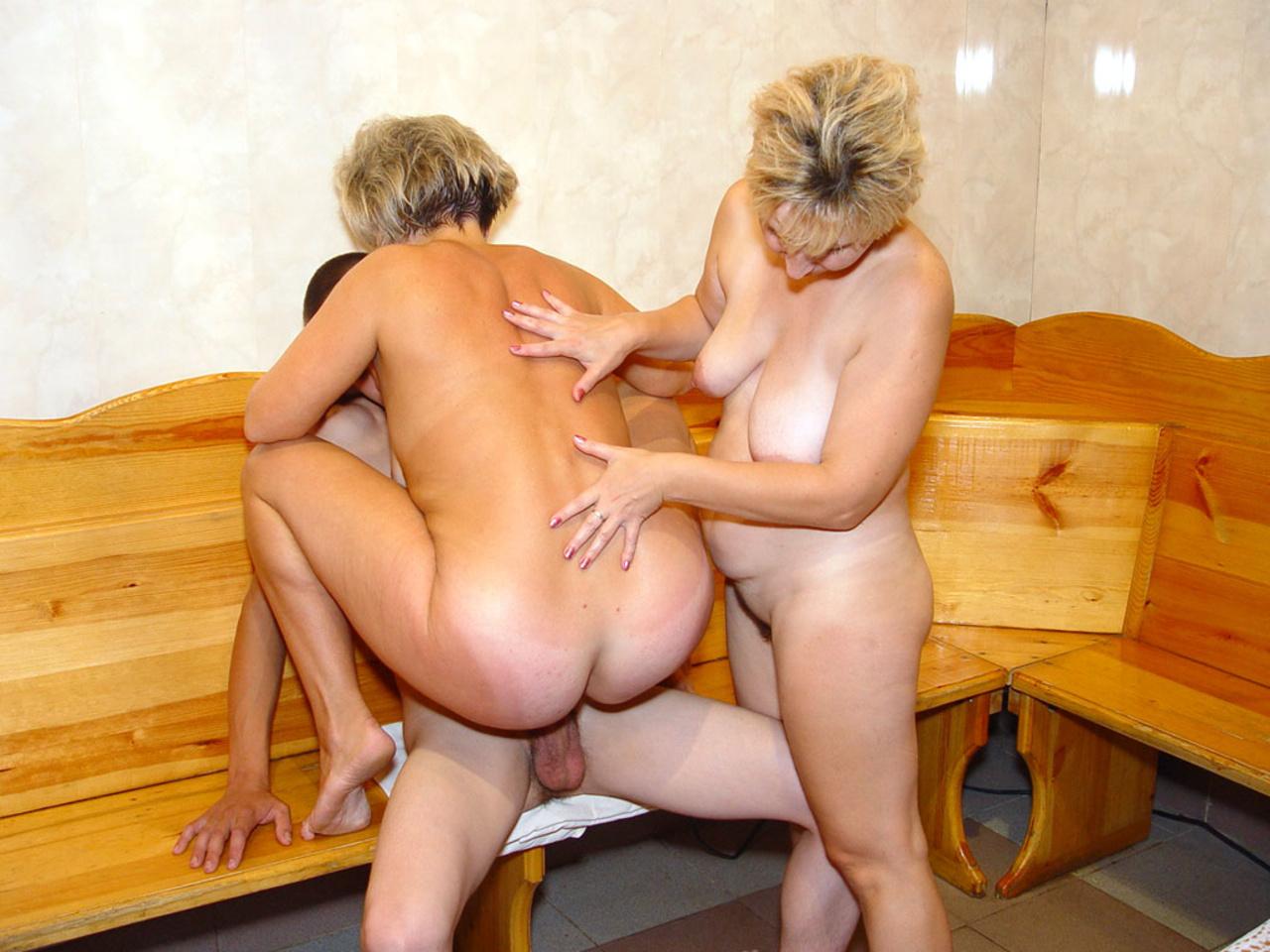 Секс с тещей в бане деревенской, Порно в бане с тещей смотреть онлайн видео Мамаши 9 фотография