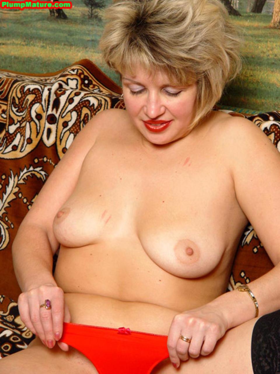 Порно с толстой orgia69 com его руки