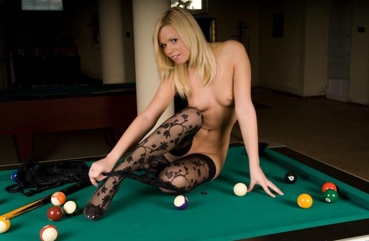 Секс бильярд играть, Эротический покер-бильярд - Эротические и порно игры 9 фотография