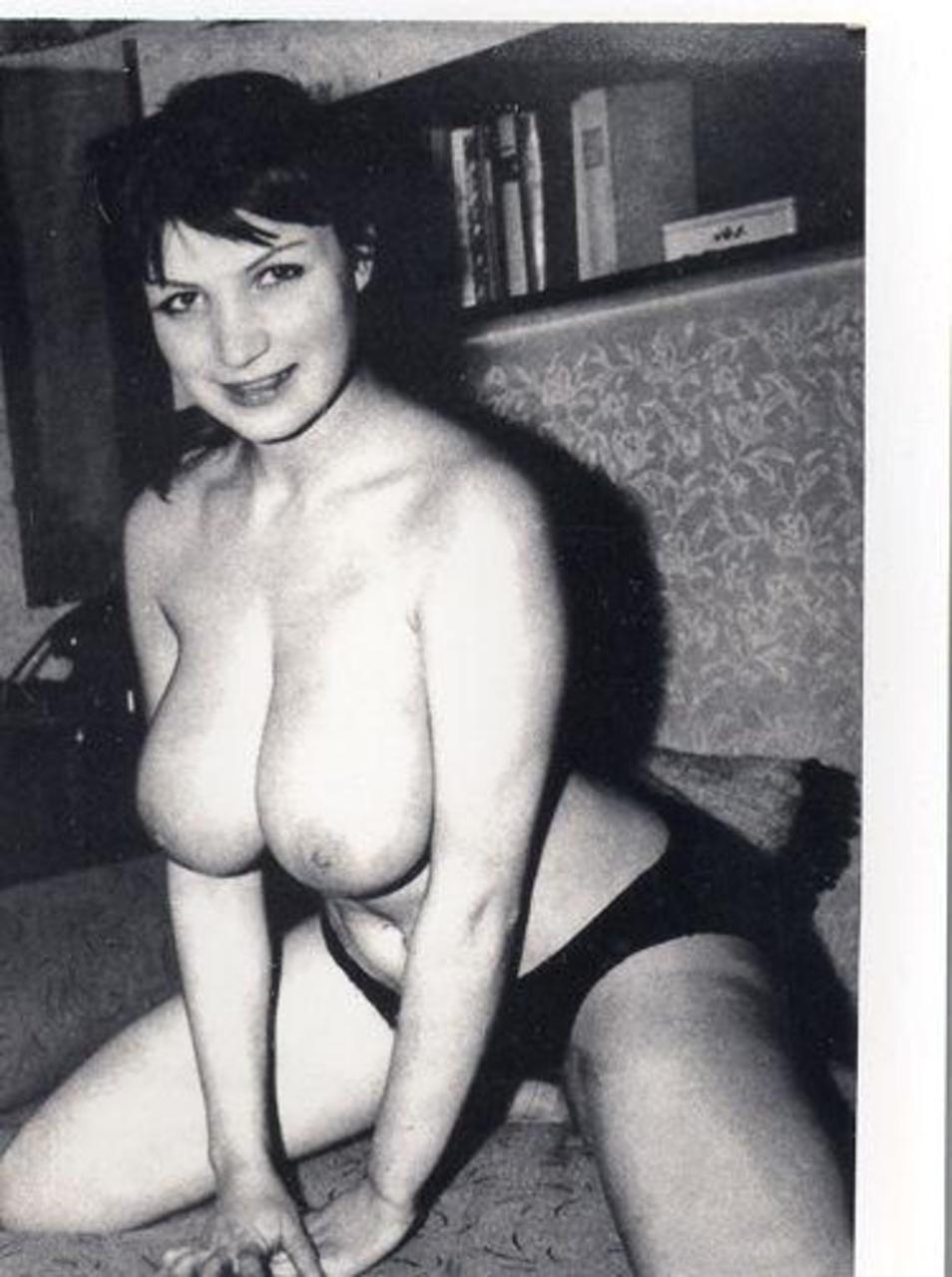 retro-porno-naturalnaya-grud