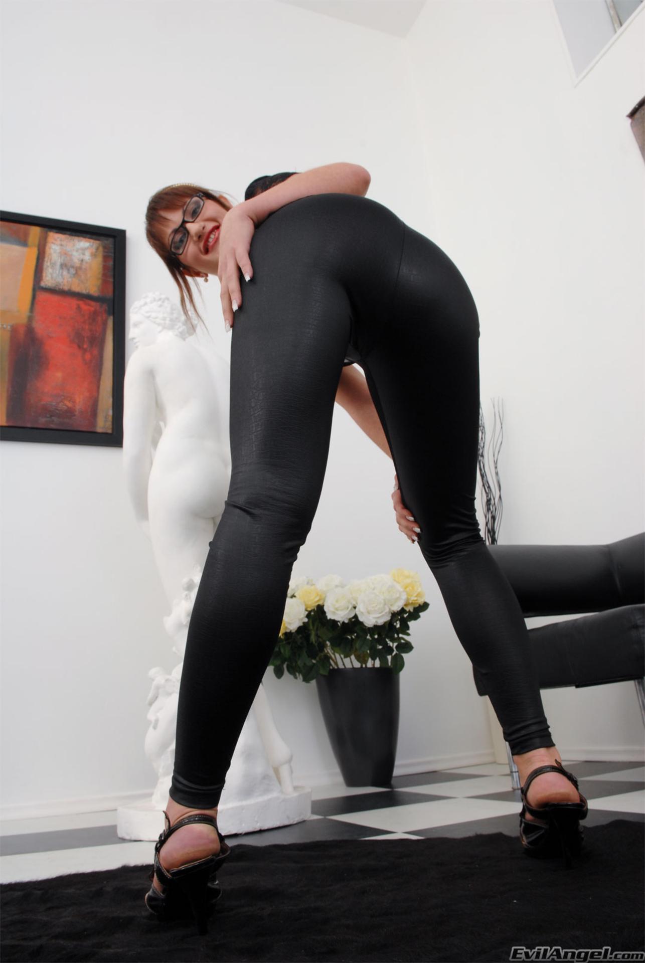 obtyagivayushie-losini-porno