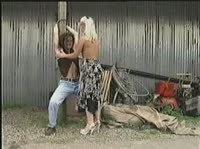 Дала в попу трактористу