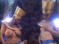 Ублажил двух египетских шлюх