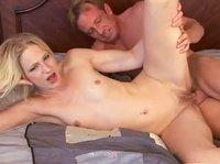 Сладкая киска блондиночки