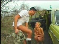 Снял сексуальную на дороге