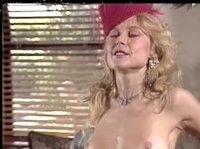Зрелая дама обожает секс