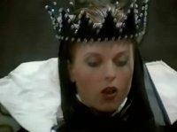Королева любит немного разврата