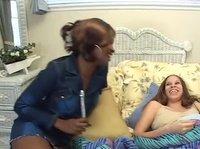 Негритянка соблазнила подругу