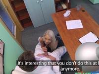 Доктор пригласил жену на процедуру