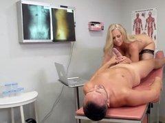Сисястая медсестра лечит дрочкой, еблей и минетами